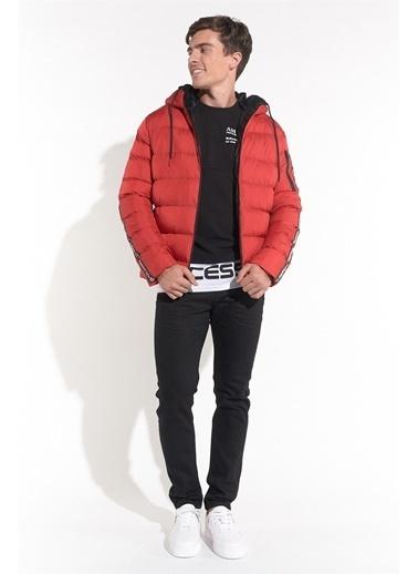 Z Giyim Kapşonlu Şişme Mont Kırmızı